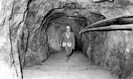 Miner_darkness1_3